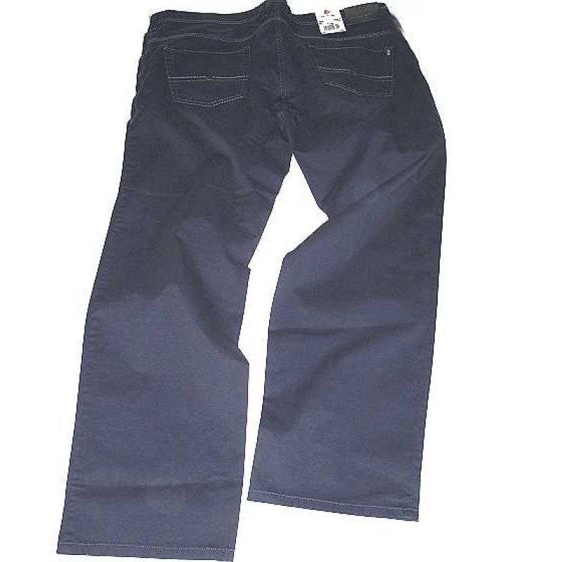 Paarung aus einem blauen pullover mit rundhalsausschnitt und einer chinohose ist eine komfortable wie man eine blaue chino hose kombiniert modische kombination aus einem hellblauen businesshemd und einer dunkelblauen chinohose ist perfekt für einen tag kombinieren sie ein dunkelblaues und weißes kurzarmhemd mit vichy muster einer dunkelblauen chinohose für blaue anzughose und braune.